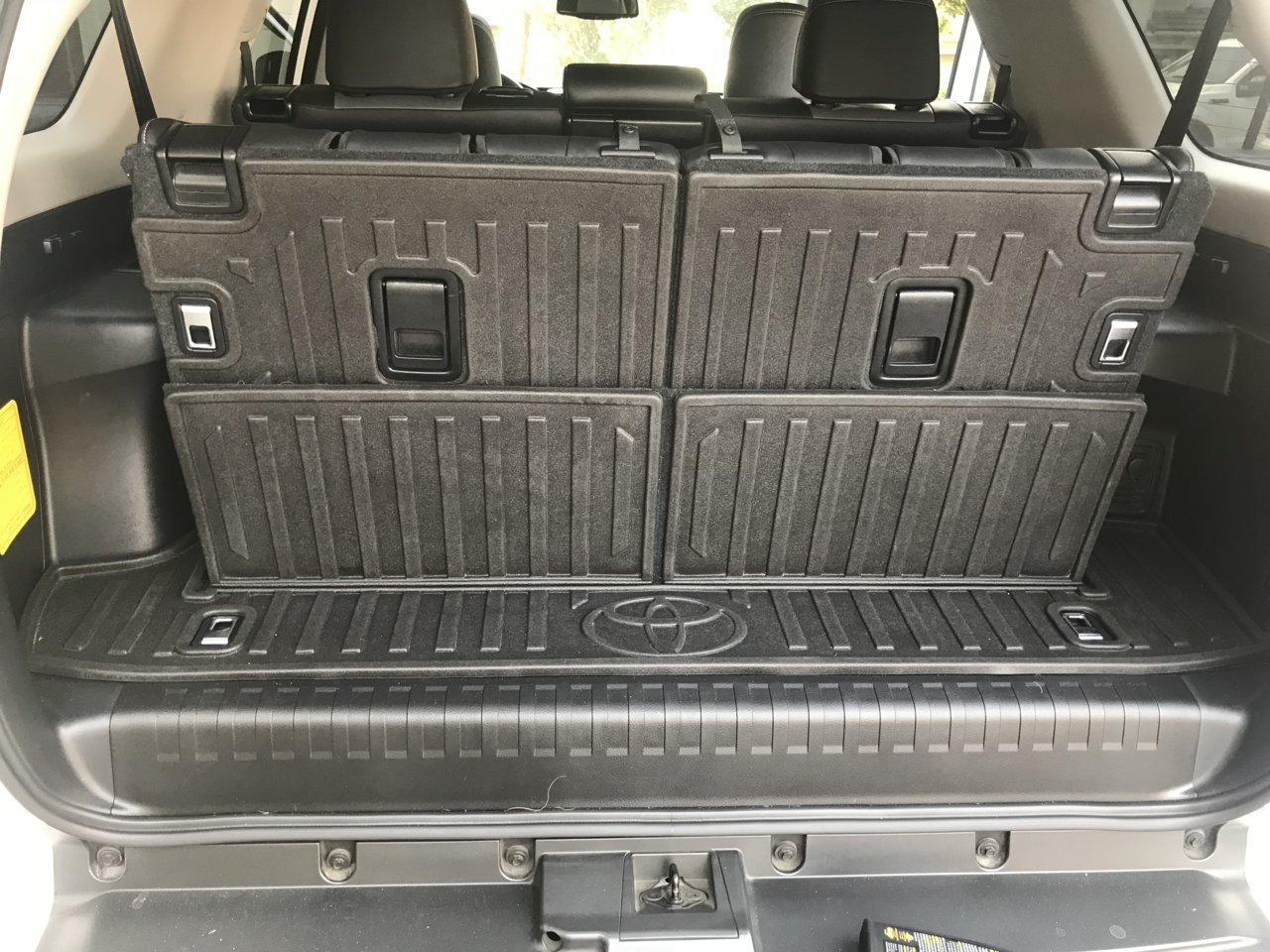 5th gen cargo cover sold