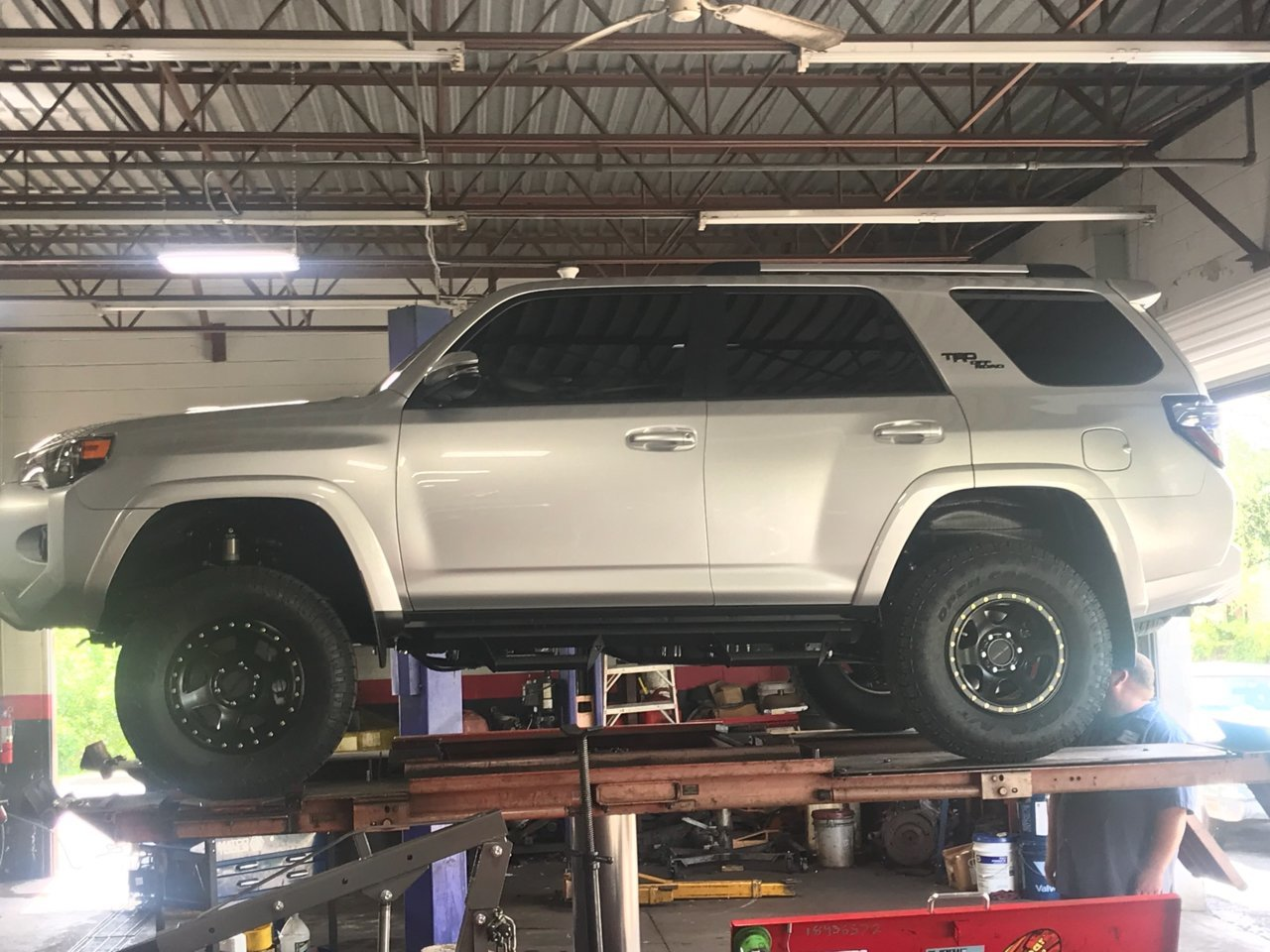 2018 4Runner - Lift installed.jpg