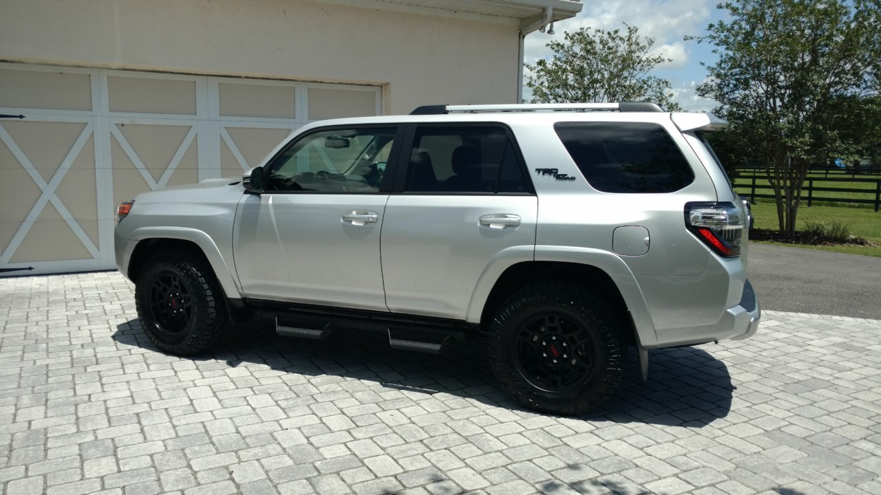 2018 4Runner TRD - side.jpg